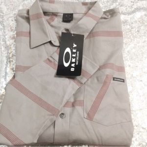 NWT Oakley Obispo striped long sleeve shirt